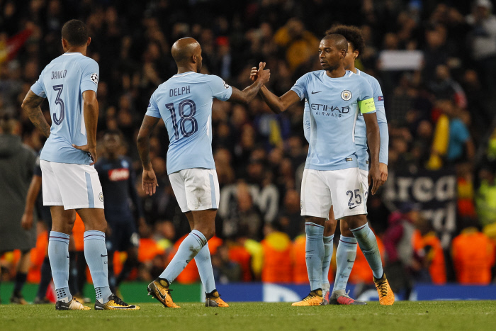 P.League - Manchester City s'envole, United craque
