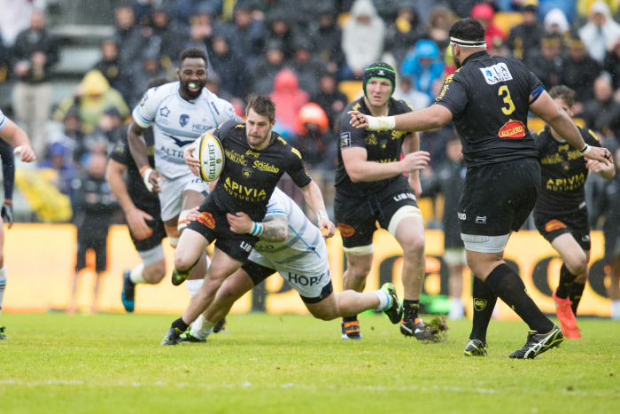 Brive frappe fort contre Montpellier, le Racing accable Oyonnax