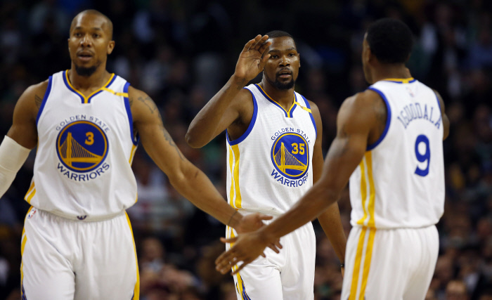 Golden State et Houston sans trembler
