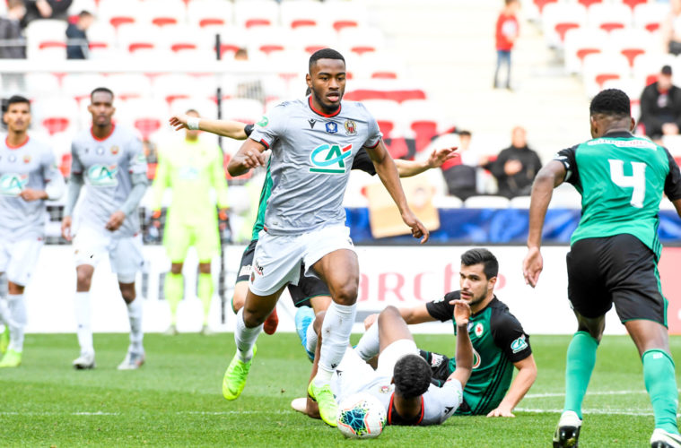 Nice fait respecter son rang face au Red Star — Coupe de France