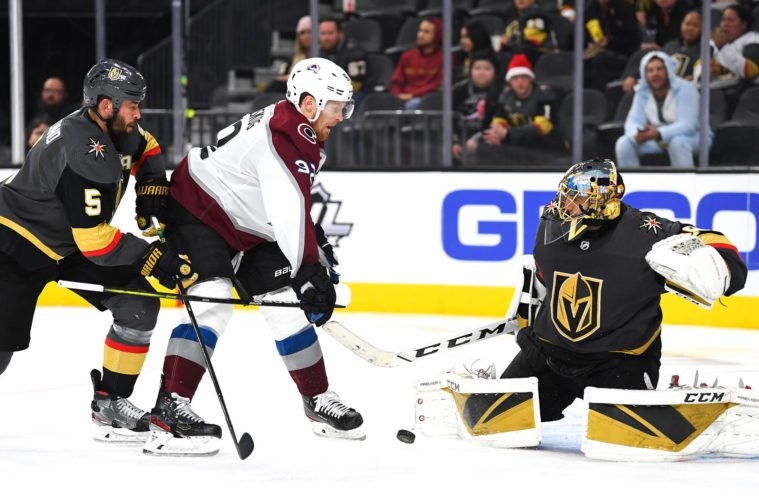 Les Golden Knights reprennent l'avantage