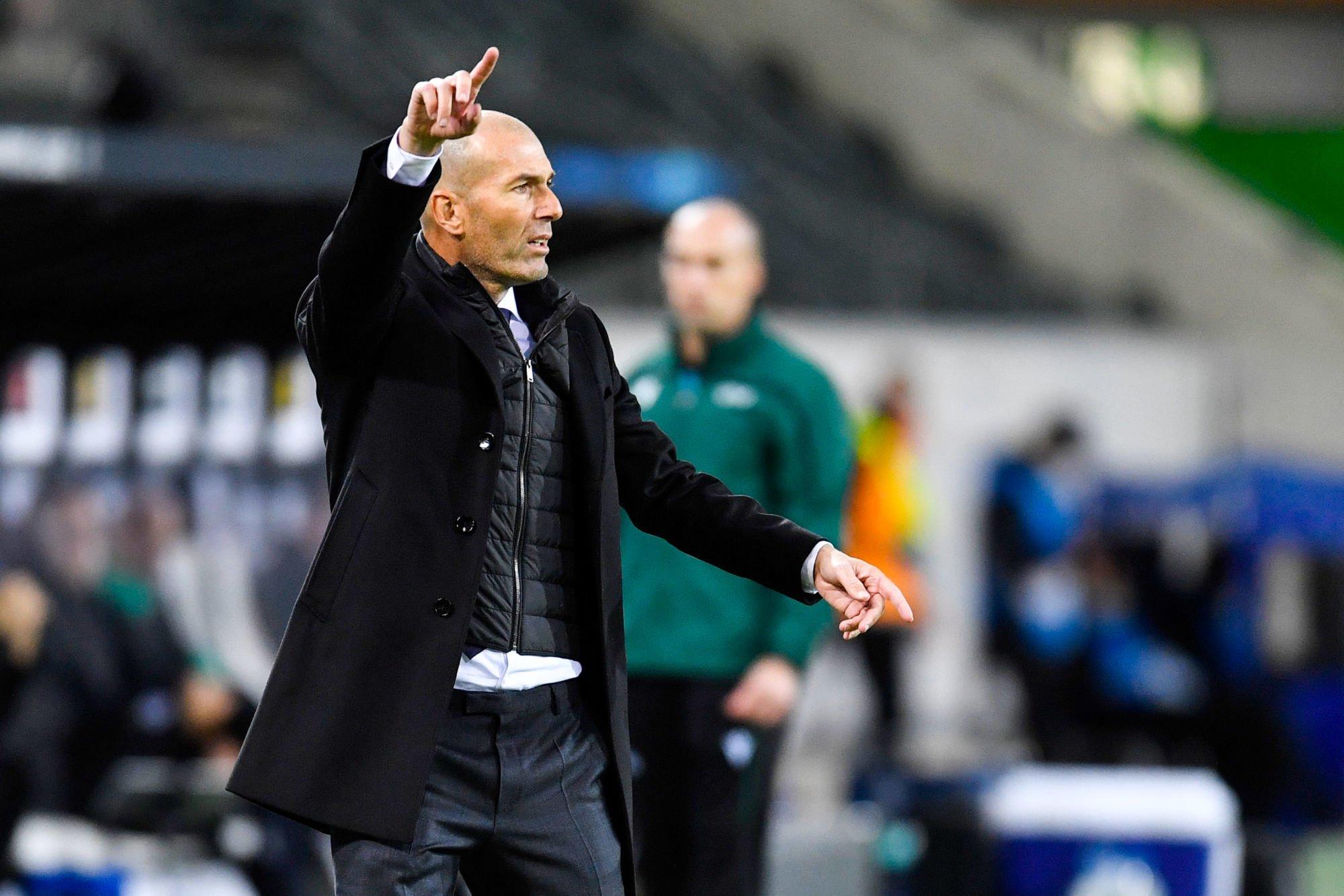 Zinedine Zidane botte en touche pour son avenir — Real Madrid