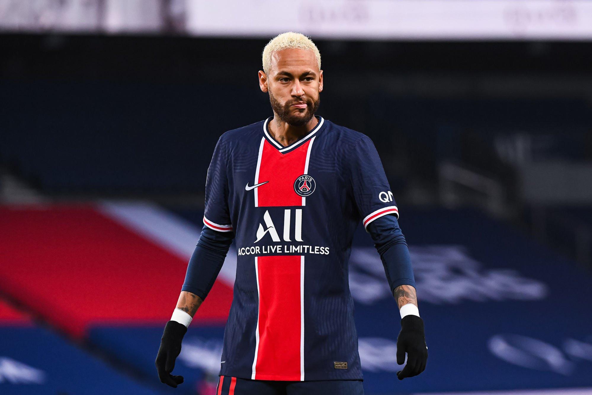 EN IMAGES. Neymar dévoile son surprenant onze de légende du PSG